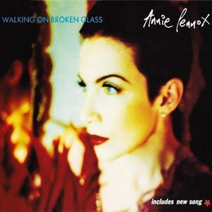 Annie Lennox – Walking on broken glass